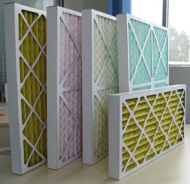 纸框初效过滤器结构采用一次性纸框过滤器的外框一般分为一般硬纸框和高强度摸切硬纸板,滤芯为打褶的纤维过滤材料内衬单面金属丝网。外型美观。结构坚固耐用。