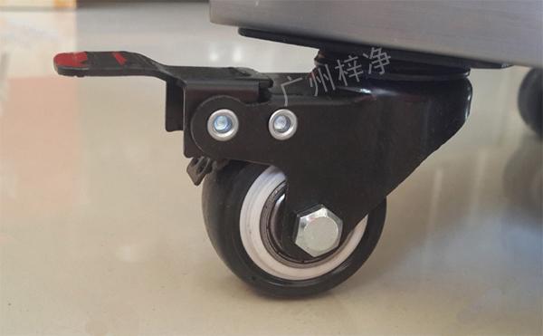 家用FFU净化器精致的滑轮(红色为反光,实物为纯黑色)