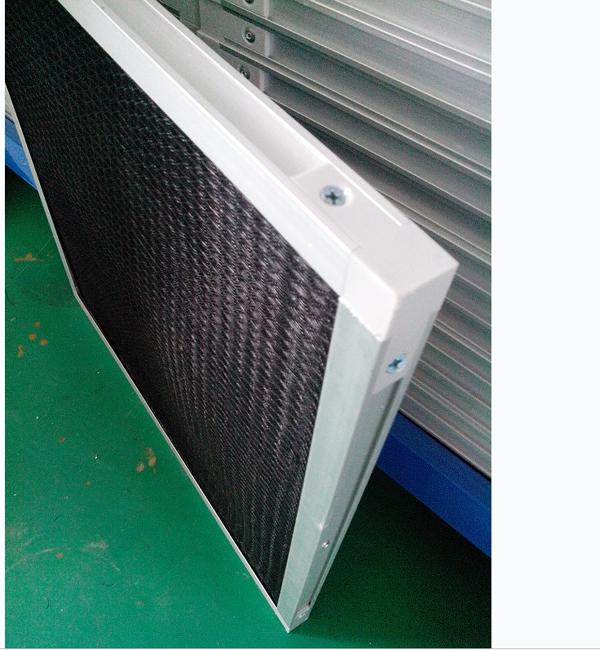 FFU初效过滤器具有风量大、阻力小、可重复清洗、使用寿命长、性价比高的特点。